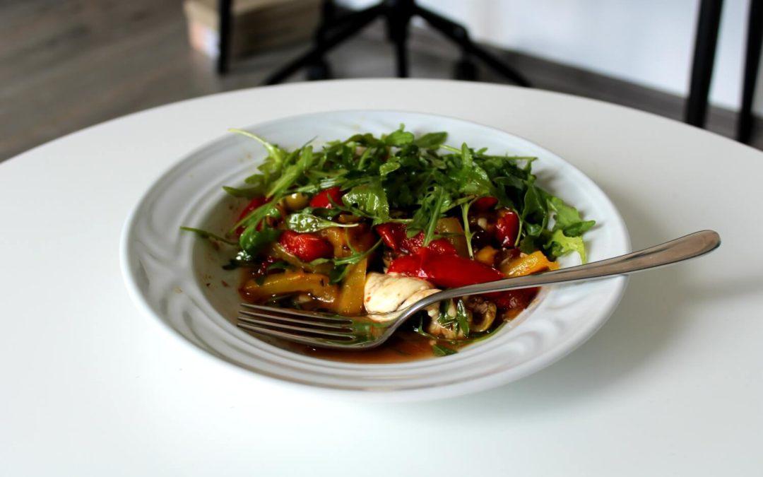 Sladkokyslé papriky s mozzarellou a olivovým olejom