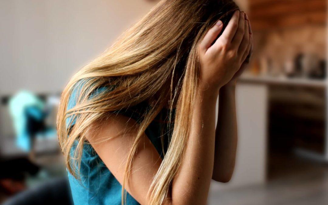 4 esenciálne oleje účinné na bolesť hlavy