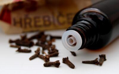 Klinčekový olej na bolesť zubov – účinky a použitie