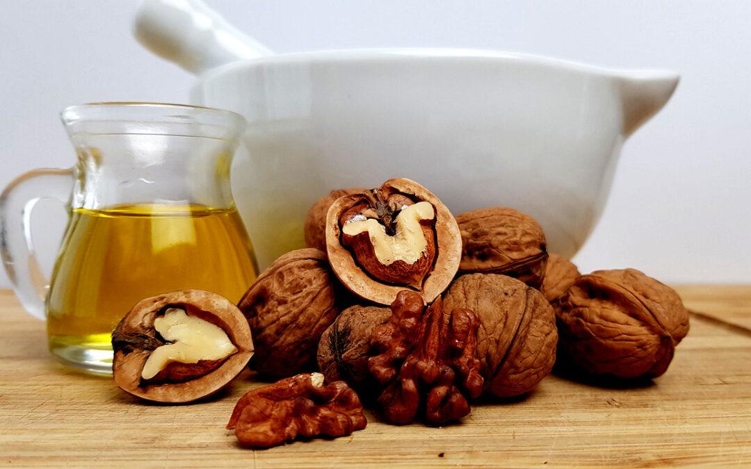 Obohaťte svoju kuchyňu o dressingy s orechovými olejmi